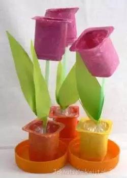 tulpen van lege danoontje bakjes