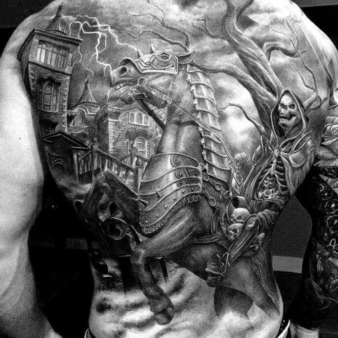 ванной масштабные тату на спину фото рыцарь время