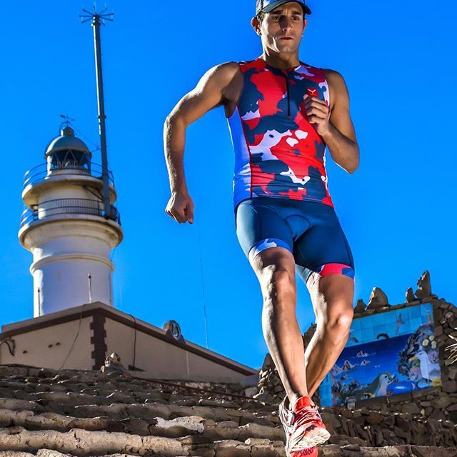 Explore the new #tritops & #trishorts of the new #triathlon collection and combine them as you like. Here it is the #neuro outfit 🏊🚴🏃  •   #taymorytri #swim #bike #run #tri #triathlon #triatlon #sport #newdesigns #newcollection #wearyourdreams #chaseyourdreams #taymory