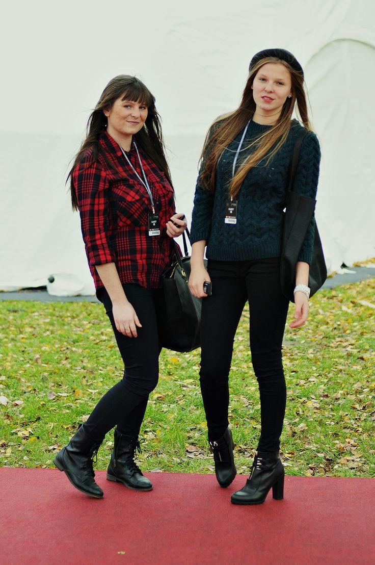 Patrycja, 20 oraz Karolina, 15 - ŁÓDŹ LOOKS www.facebook.com/lodzlooks #fashionweekpoland #fashionphilosophy #lodz #lodzlooks #fashionweek