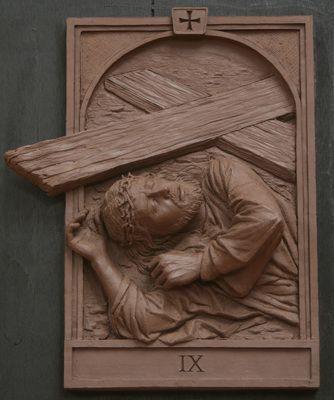 The Fourteen Stations of the Cross was commissioned by St. Raphael Church in Naperville, Illinois. These clay renditi