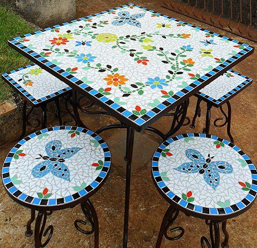 Mesas e Cadeiras em ferro maciço e mosicos desenvolvidos por Carlos Delfino, serralheiro artístico da Art In Ferro