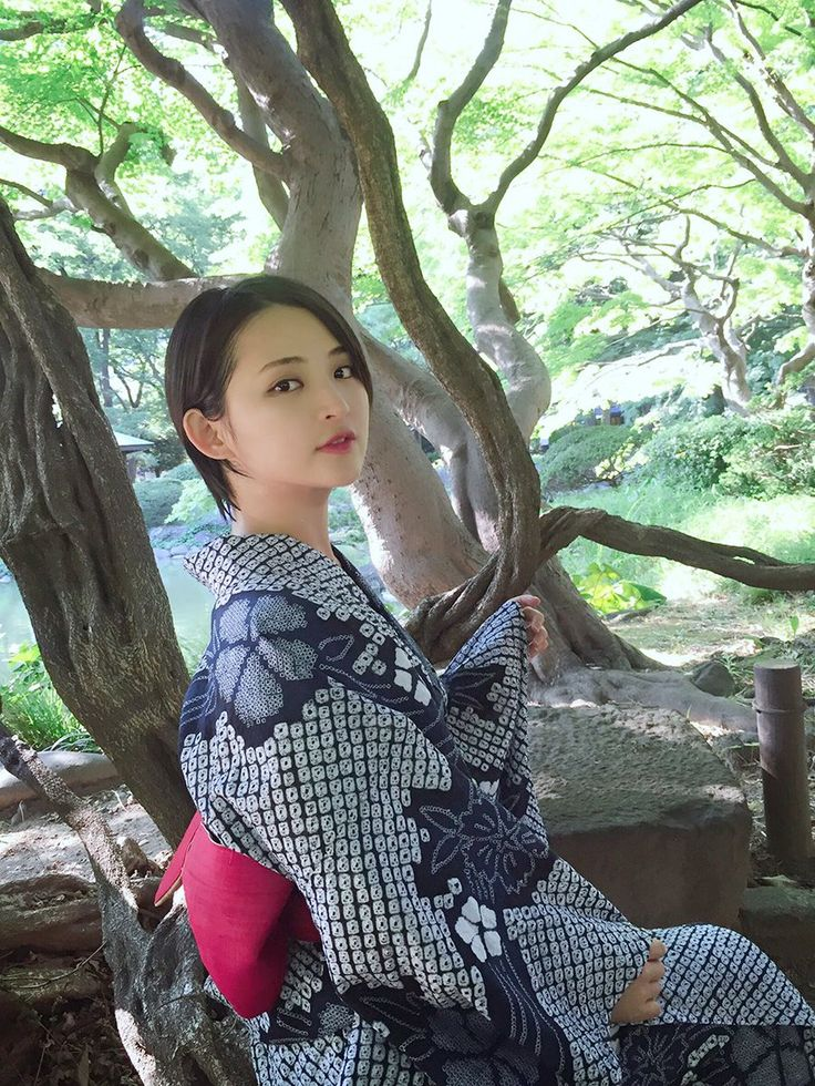 Saki Suzuki kimono - japan