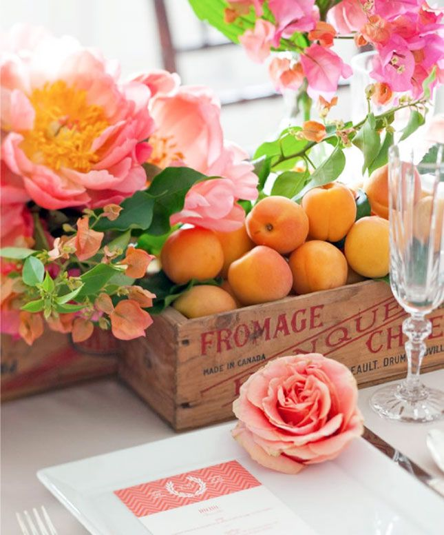 springtime table settings decoration flowers apricots summer table centerpiece roses pink orange