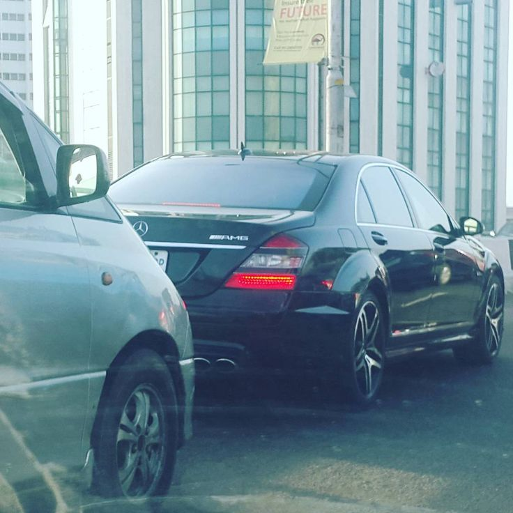 S63AMG in motion. Picture was taken by @wumyzsignature. Before some people come and be saying it's a fake AMG. I married a petrol head . Anywhere she spots super cars she snaps.  #mercedesbenz #s63amg #lagos #nigeria by carsfromnaija