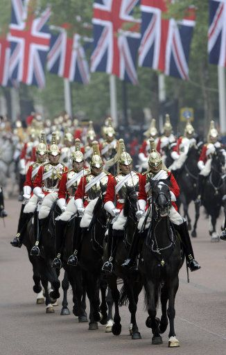 The Life guards of The Household Cavalry - The Mall, London