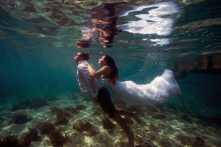 James and Tara - Naviti Resort - Fiji Photo By Leezett Photgraphy