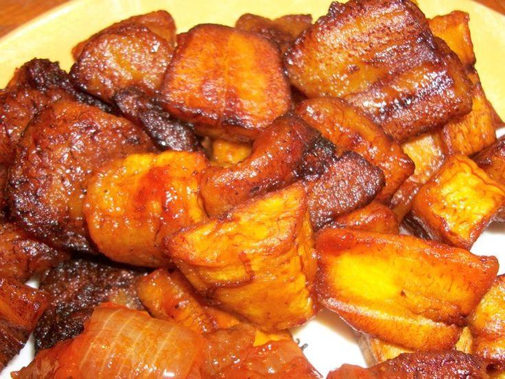 Alloco bananes plantain, recette africaine, classique de la cuisine ivoirienne traditionnelle à découvrir sur Cuisine-afro !