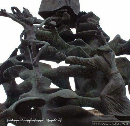 Pericle Fazzini - Monumento a Padre Pio (particolare, San Giovanni Rotondo).jpg
