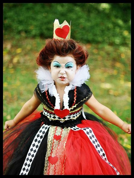 Amazing bookish Halloween costumes for children: the Queen of Hearts from Alice in Wonderland.