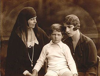 Marie of Romania with Helen and Michael, 1927