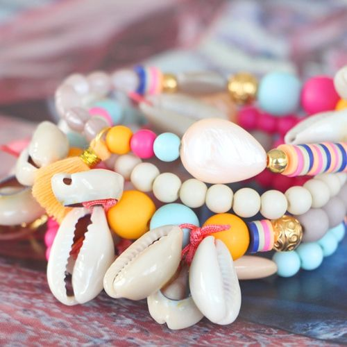 Maak zomerse sieraden met onze vrolijke kleuren acryl kralen