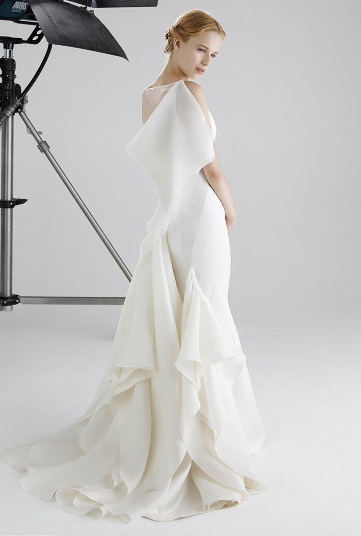 #Micie.#PETERLANGNER#weddingdress#weddinggown#シルク#ミーチェ#ウエディングドレス#newcollection#新作#ピーターラングナー