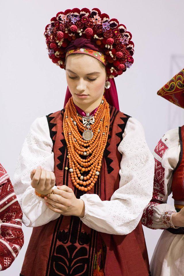 Ukrainian flower hair piece Makoviya studio traditional