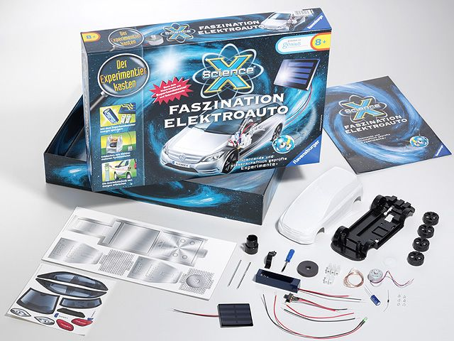 B-Class electric car kit B66961299 How will cars be fuelled in the future? Can you generate energy from braking?  Build your own electric car with solar charging station and supercapacitor. Investigate the energy of the future in 8 exciting experiments! Carry out a series of experiments and discover the world of electric cars!