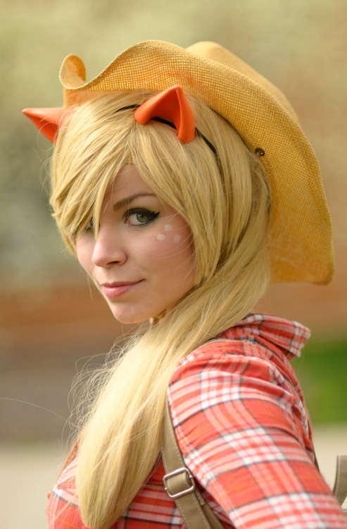 I think I have my Halloween costume idea for this year :o