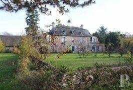 A quelques minutes de Blois,  une demeure du 18ème siècle en bord de Loire