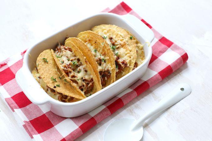 Op zoek naar een lekker recept? Maak dan deze taco's met gehakt. Serveer er eventueel een frisse salade met sla, tomaat en avocado bij en klaar! Eet smakelijk.