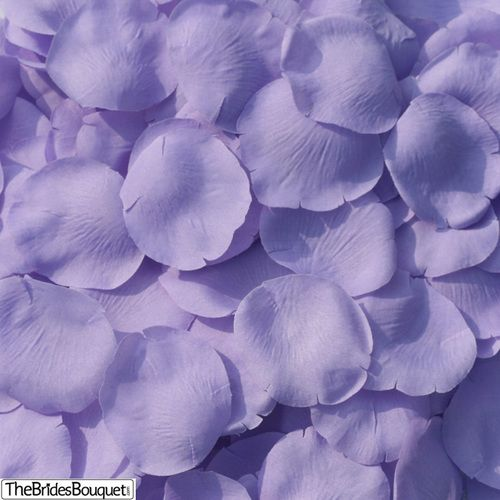 A classic and elegant look, beautiful lavender silk rose petals. 200 petals are included in this package and they make great table decorations, or aisle accents. Some brides choose to decorate their b