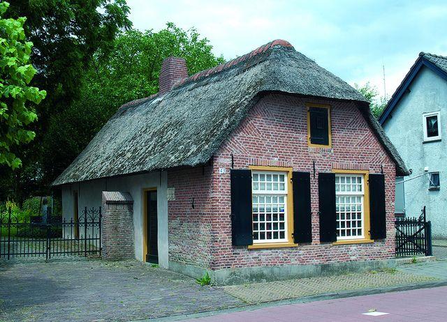Nieuwe Rielseweg 43 Goirle by Stichting Steengoed Goirle, via Flickr