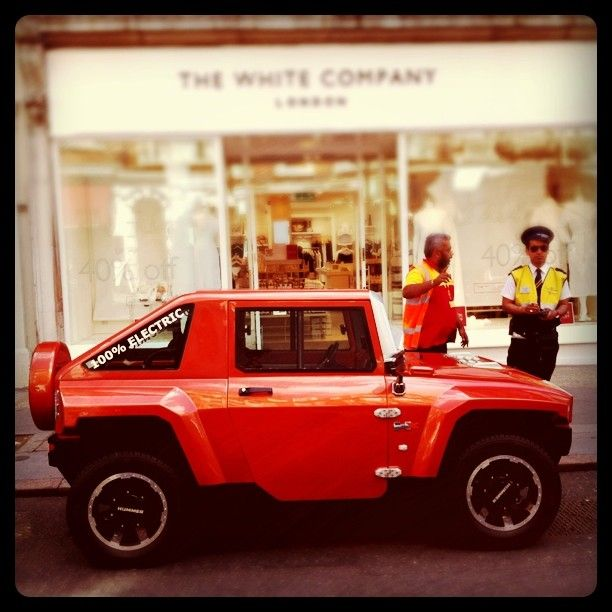 Even the funky MEV HUMMER electric mini HX cannot escape from traffic wardens in central London