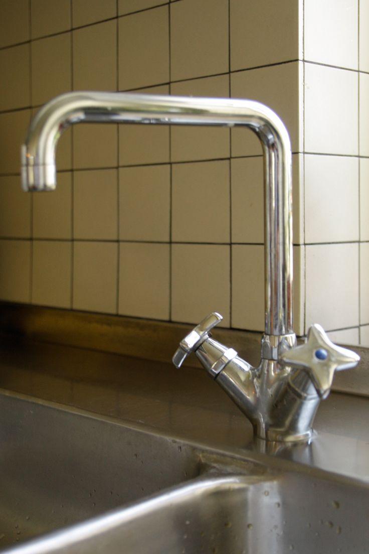 Inredning kökslådor inredning : Köksblandare Funkis med kryssgrepp. Bänkmontering 32 mm hÃ¥l, 10 mm ...
