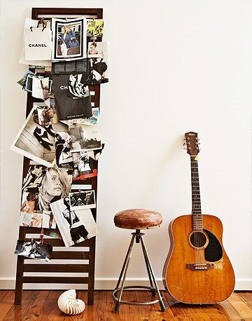 guitarDecor, Hanging Artworks, Plays Guitar, Mood Boards, Ladders, Bulletin Boards, Inspiration Boards, Guitar Display Ideas, Playing Guitar