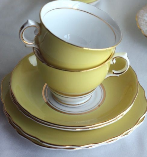 Love vintage crockery which is cream / white / yellow. Doesn't have to match