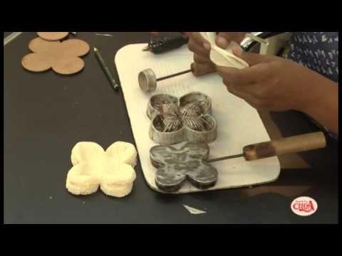 Eliana Donato ensina fazer duas forminhas para doces com decortela. - YouTube