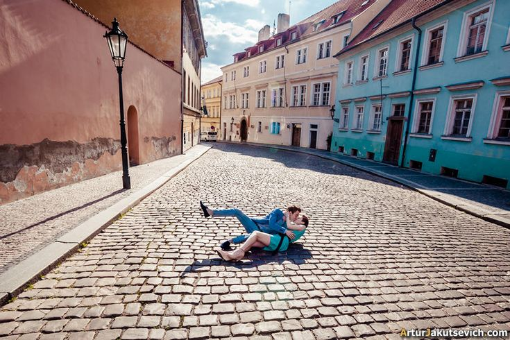Engagement photography – pre wedding trip to Prague in May