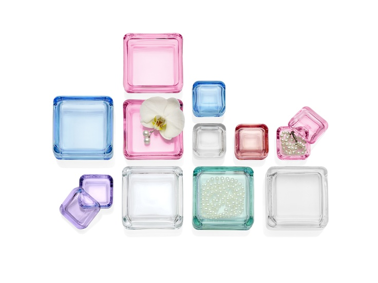 Iittala has lightened its glass colour range with new, cheerful spring-like colours. The fresh and playful colours pale pink, lavender and lemon offer a real energy boost to the home in preparation for the spring. Have you already found your favourite?    iittala.com