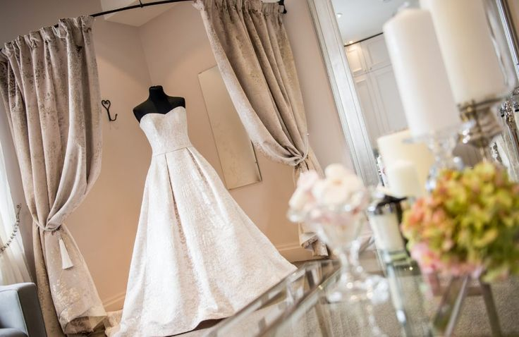 Lulu Browns Bridal Boutique offers brides in the Ribble Valley area an excellent bridal boutique experience and stocks two of our favourite designers; Eliza Jane Howell and Jesus Peiro.  #bridalboutique #littlebookforbrides #lmdlulubrownsbridal #lancashirebride #weddingdressshopping