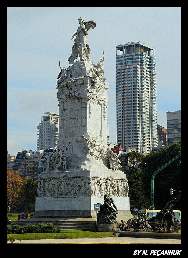 Buenos Aires . monumento a los españoles