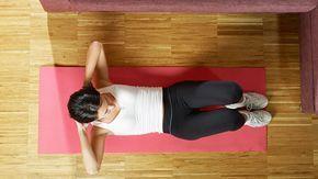 Schudnutie a posilnenie bruška je asi najhoršou partiou a dokáže riadne potrápiť. Okrem vhodnej stravy a kardio tréningu je dôležité aj posilňovanie brušného svalstva. Týchto 5 cvikov ti pomôže účinne posilniť bruško. Nezabudni správne dýchať a snaž sa nezapájať chrbát, ale cviky vykonávaj aktivovaním brušných svalov. Ak si v posilňovaní začiatočník, daj si medzi sériami 2 minútovú prestávku. 1. Dvíhanie nôh do vzduchu Začiatočník: 10 opakovaní Pokročilý: 15 opakovaní Ľahni si na podložku…