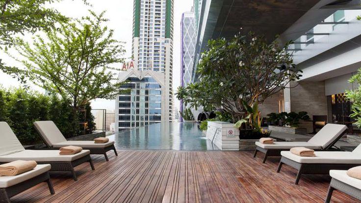 هتل ایستین گراند هتل ساتورن  هتل ایستین گراند هتل ساتورن (Eastin Grand Hotel Sathorn) یکی از زیباترین هتل های 5 ستاره تور تایلند است که امکانات و خدمات رفاهی متنوعی در اختیار گردشگران قرار میدهد و کارمندنان حرفهای دارد.