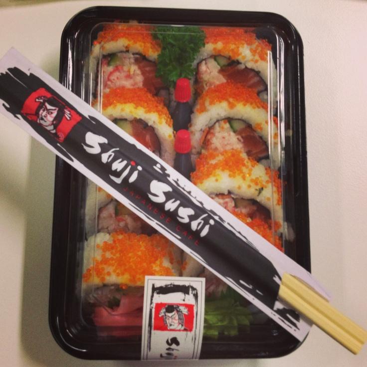 Salmon sushi rolls reverse <3