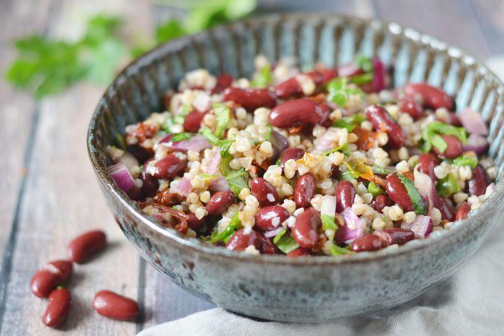 Deze Italiaans geïnspireerde koude bonen salade ontstond eigenlijk spontaan. En lekker dat ie is! Vullend, gezond en met smaken uit Italië...