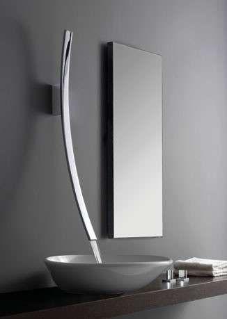 Idee per l'arredamento di un bagno piccolo - Bagno moderno con rubinetto di design