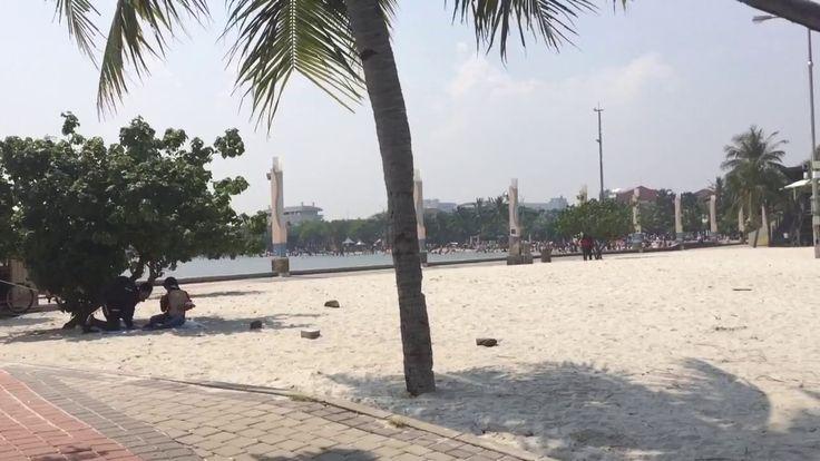review pantai ancol ketika liburan .....