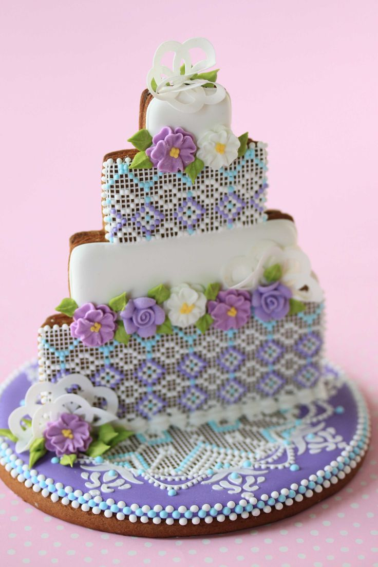Best 25 Wedding Cake Assembly Ideas On Pinterest