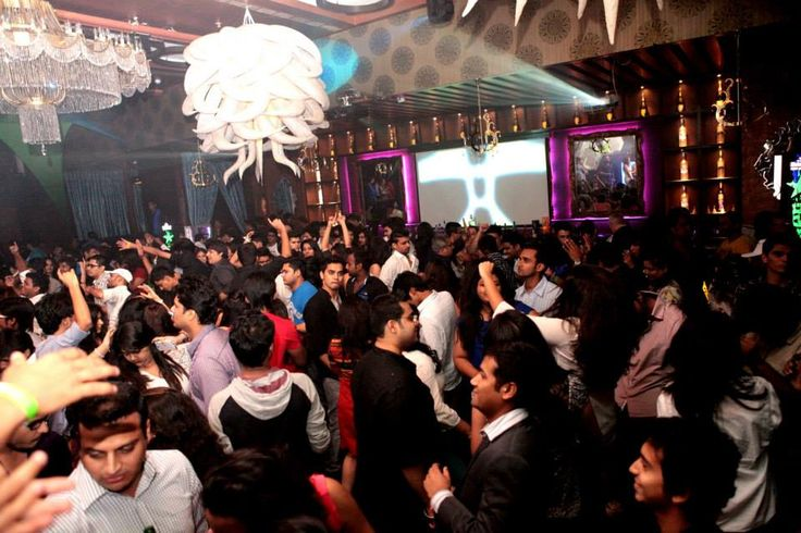 Royalty nightclub proffer lavish clubbing in Mumbai, India. Club Royalty opened their door on 13th March 2013 for Mumbaikars. Clubbing area is 10,000 Sq. Ft. where club follow the european style from ingress to egress.