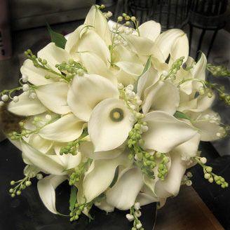 white calla bouquet & baby's breath