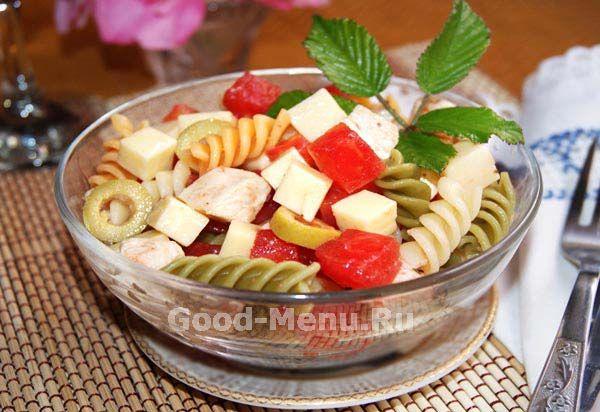 Салат с курицей и макаронами - рецепт