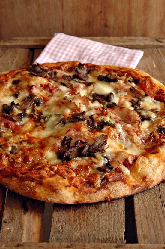 Pizza all'80% di idratazione con lievito madre secco | Mamma Papera