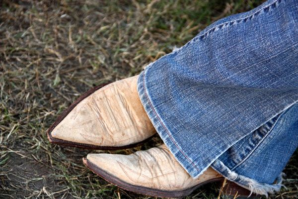: )Cowgirl Boots, Vintage Boots, Cowboy Boots, Style, Blue Jeans, Country Girls, Fleas Marketing, Cowgirls Boots, Jeans And Boots