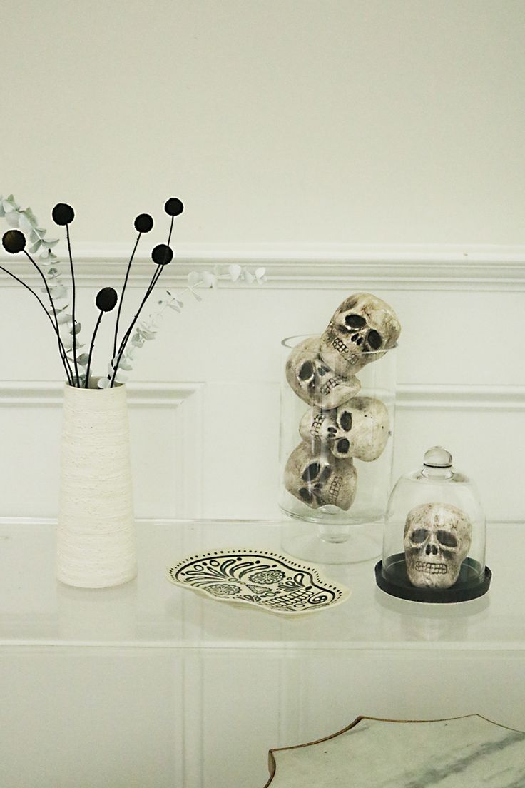 modern halloween decorations that are simple and easy to put together that will look chic in