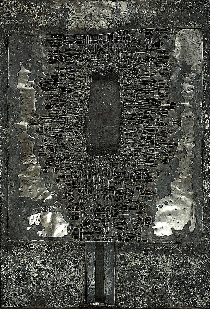 Zdzisław BEKSIŃSKI (1929-2005)  Relief, 1960 metal, płyta MDF, 88 x 60 cm; na odwrocie napisy: BEKSIŃSKI / 1960 /
