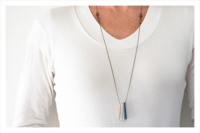 Minimalist polymer clay necklace in blue hues - long by Doeksisters