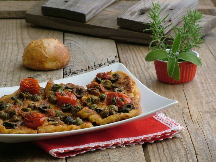 Fesa di tacchino con capperi e olive un secondo piatto facile veloce Un sughetto molto saporito rende la carne tenera e gustosa