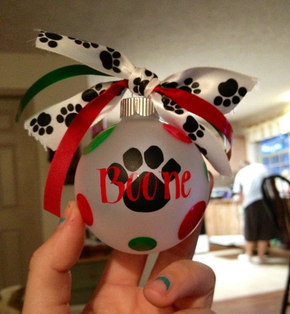 Personalized dog ornament. $7.00, via Etsy.